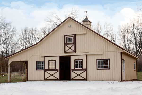 Modular horse barn Amish built on prepared site. Molettiere-36ft x 36ft